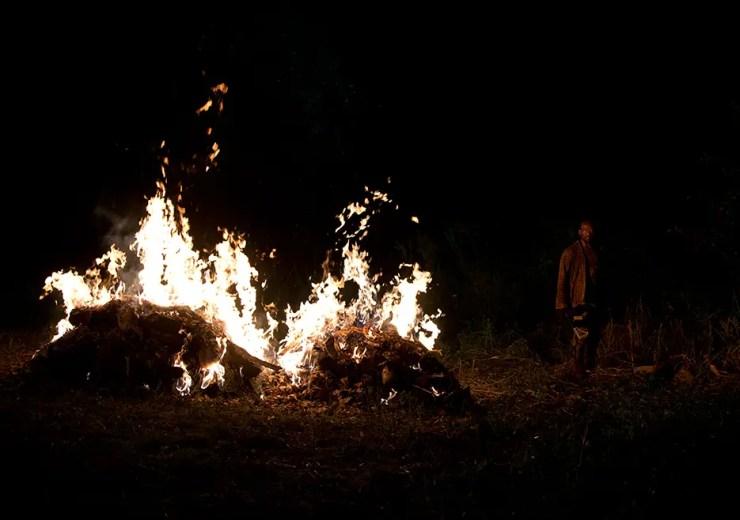the-walking-dead-episode-604-morgan-fire
