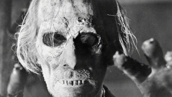 Tales from the Crypt  (1972) Review