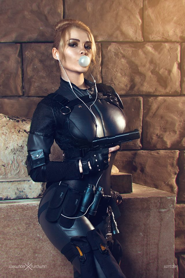 cassie-cage-captain-irachka-cosplay