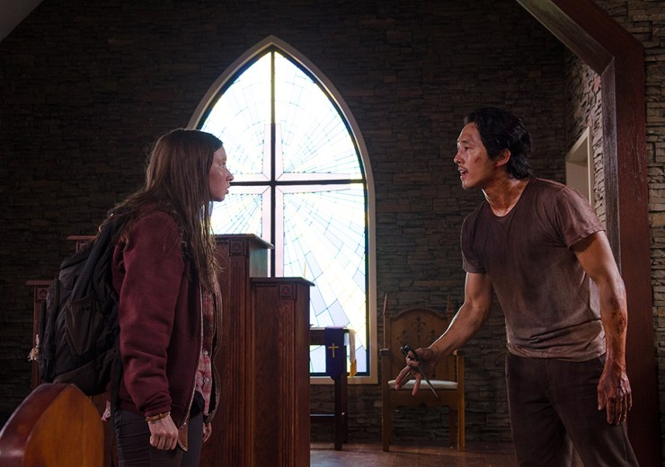 the-walking-dead-episode-609-glenn-and-enid-church