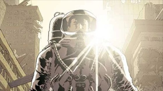 Eclipse #1, the new Sci-Fi series from Top-Cow/Image, is out.  The backdrop is a future where people live at night to keep from being burned alive by the light of the sun.  After billions have died and society has finally begun to rebuild itself, a killer has appeared, using daylight as his weapon.  Is it good?
