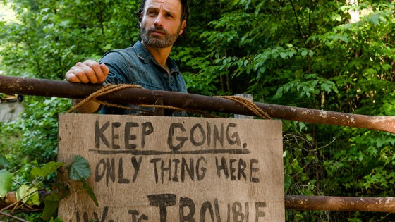 """The Walking Dead: Season 7, Episode 7 """"Sing Me A Song"""" Review"""