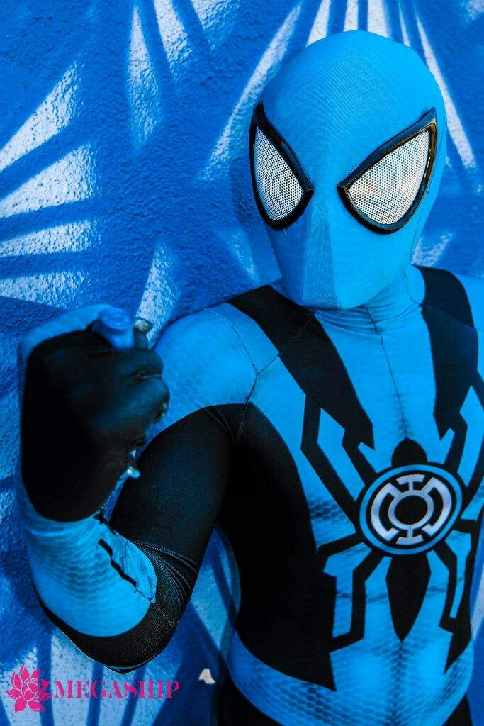 blue-lantern-spider-man-cosplay-by-corey-carmona-8