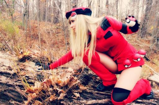 female-ranger-cosplay-pokemon-x-y-by-cosplay-butterfly-5