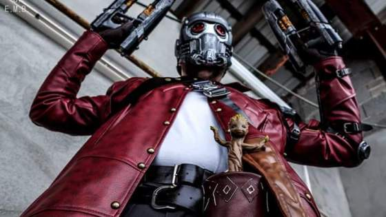 ::Insert Star-Lord Awesome Mix Vol. 1 playing in the background to accompany Mummery Comics' bad-ass, detailed Star-Lord cosplay::  (Also, where can we buy that jacket?)
