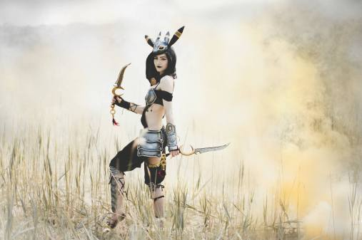 umbreon-gijinka-cosplay-by-luxlo-4