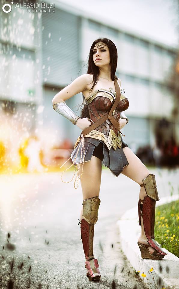 wonder-woman-cosplay-ambra-pazzani-12