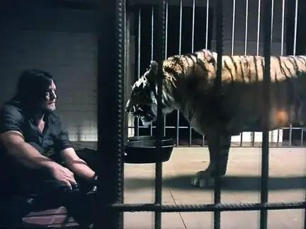 """The Walking Dead: Season 7, Episode 10 """"New Best Friends"""" Review"""