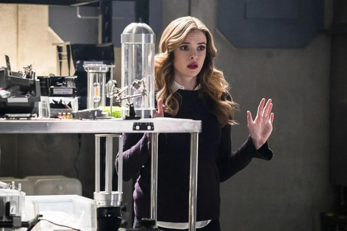 """The Flash: Season 3, Episode 18 """"Abra Kadabra"""" Review"""