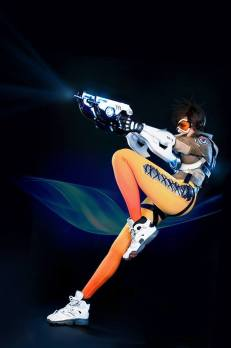 overwatch-tracer-cosplay-by-tasha-7