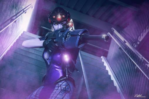 overwatch-widowmaker-cosplay-by-reilena-11