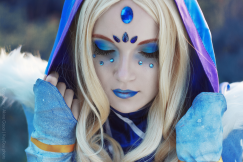 dota-2-crystal-maiden-cosplay-by-akina-gasai-9