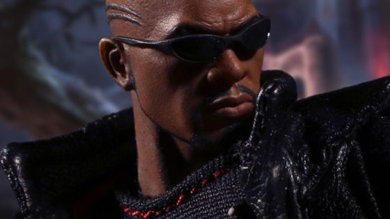 The One:12 Collective Blade figure features two intricately detailed head portraits: an unwelcoming scowl and a bloodcurdling roar.