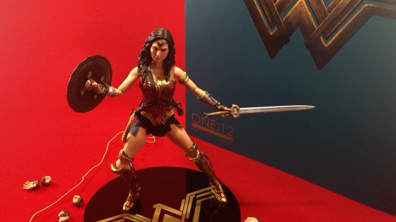 We unbox the recently released Wonder Woman from Mezco Toyz.