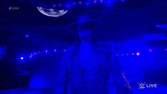 In what has already been a remarkable episode of Monday Night Raw, Shawn Michaels came down to give his thoughts on the upcoming matchup between The Undertaker and Triple H at WWESuper Show-Down. However, the Heartbreak Kid was interrupted by the Dead Man himself.