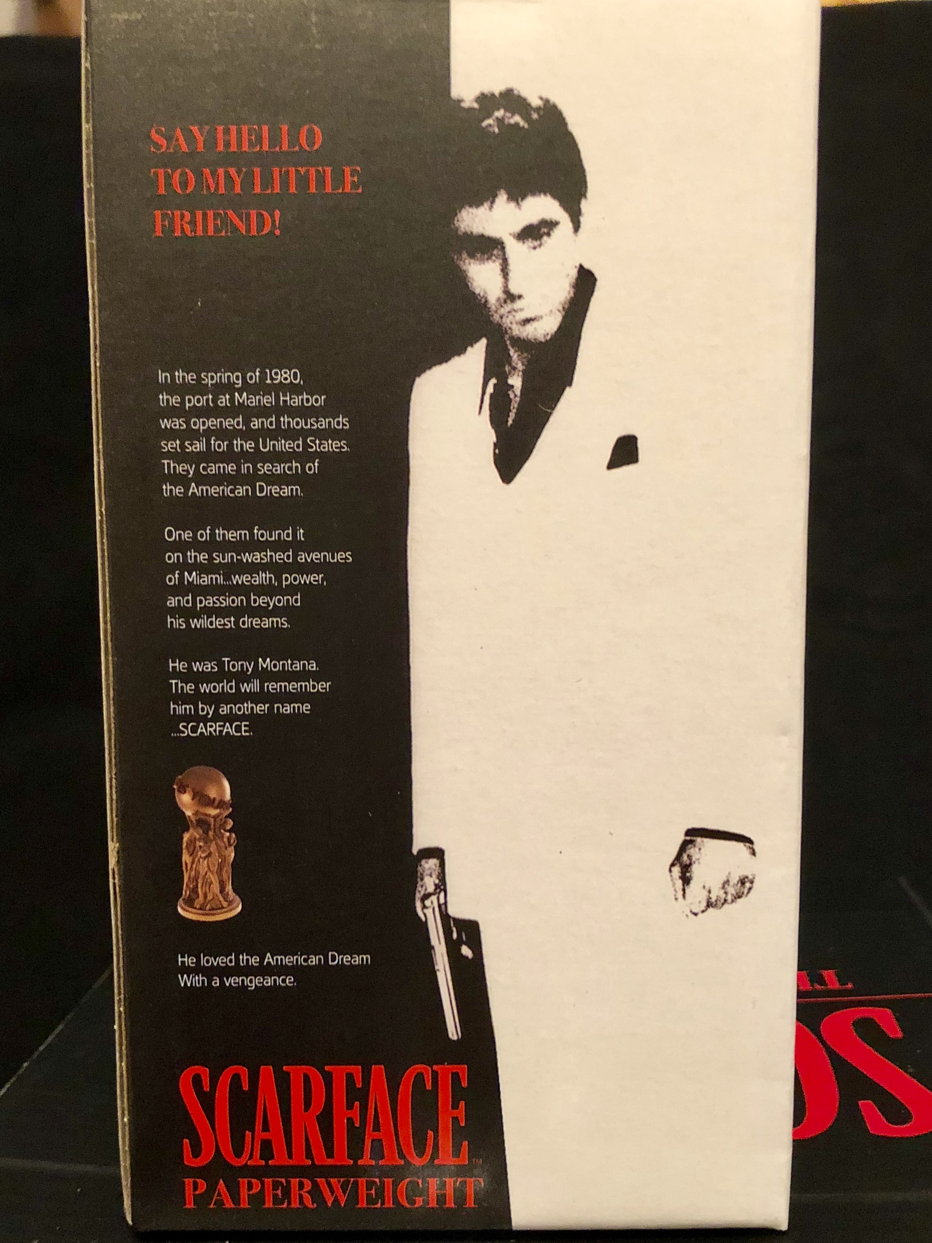 """Toynk's Scarface """"The World is Yours"""" statue paperweights review"""