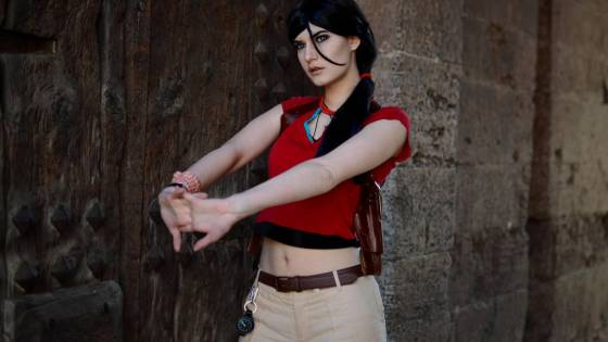 Uncharted 2: Chloe Frazer cosplay by Trisha Layons