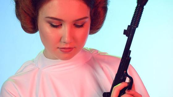 Star Wars: Princess Leia cosplay by Elena Strikes