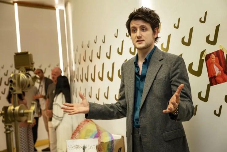 Avenue 5 Season 1 Episode 9 (Season Finale) Review: 'Eight Arms but No Hands'