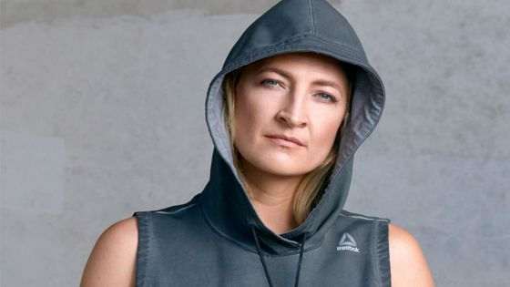 Zoe Bell is bored and she's not going to take it anymore.
