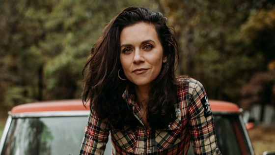 The Walking Dead: Hilarie Burton will play Negan's wife, Lucille
