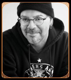 Greg Rucka_with frame-min
