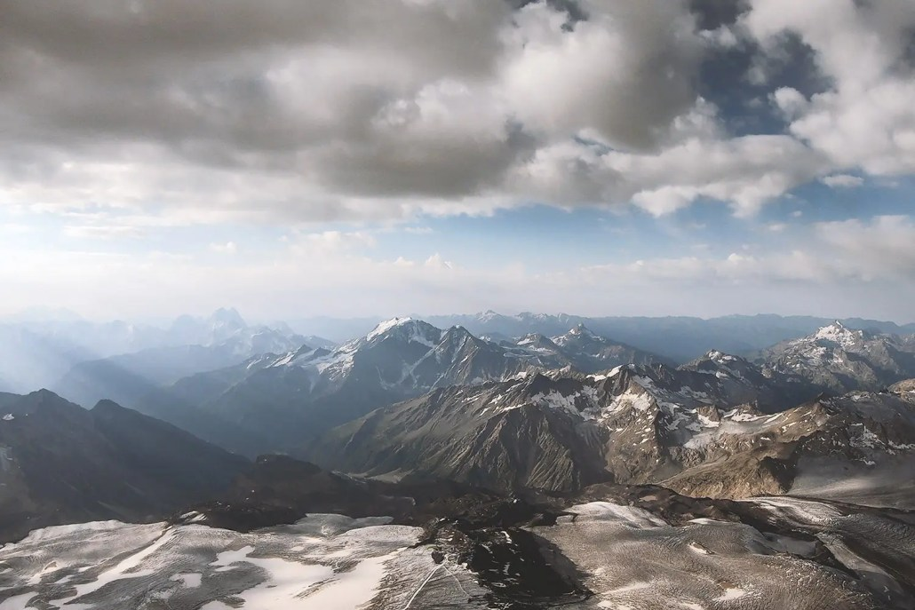 Hike And Fly Elbrus: In the air