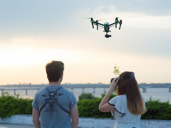 Aerial excursion over city with quadcopter