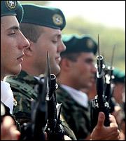 ΣτΕ: Ειδική κατηγορία οι ένστολοι – Από Αύγουστο 2012 ως σήμερα η αντισυνταγματικότητα