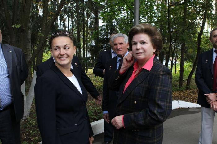 Les cosmonautes Serova et Tereshkova