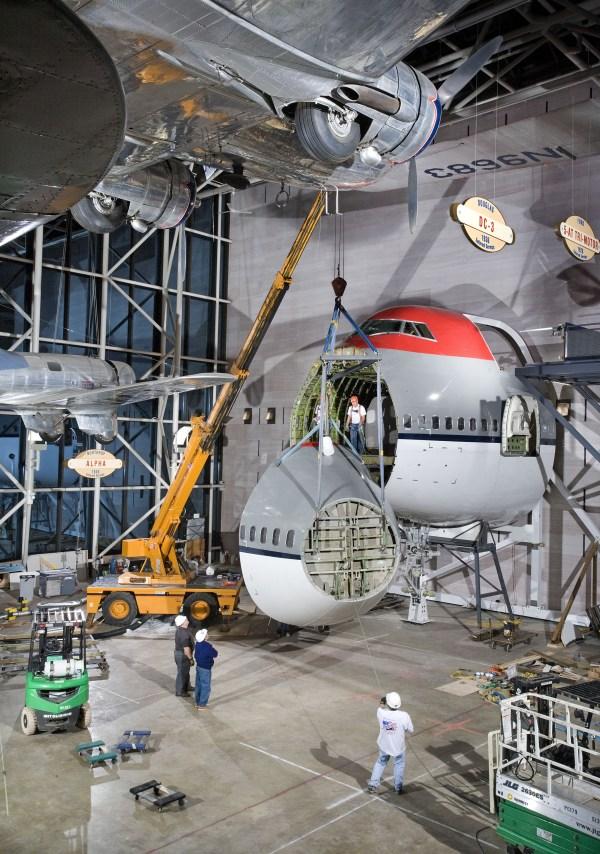 America Air - Boeing 747 Fuselage Installation