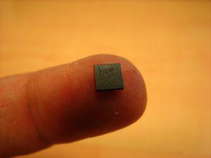 Un'azienda svedese installa microchip sottopelle ai suoi dipendenti!