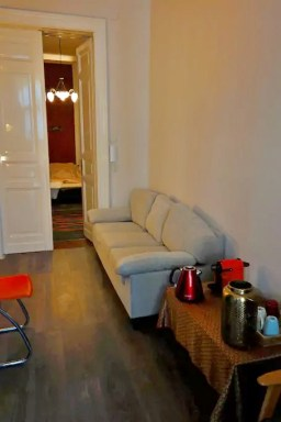 anteroom Budapest rent it for vacation in Airbnb