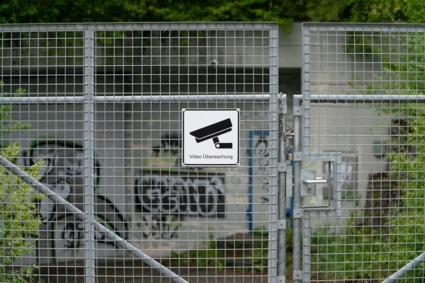 Should I set up surveillance cameras in your Airbnb Listing?