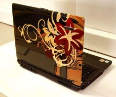 airbrush-on-laptop-95
