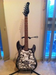 airbrushed-guitar