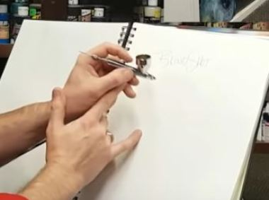 How to hold your Airbrush: The support hand