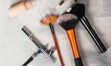 How to Set Up an Airbrush Makeup Kit