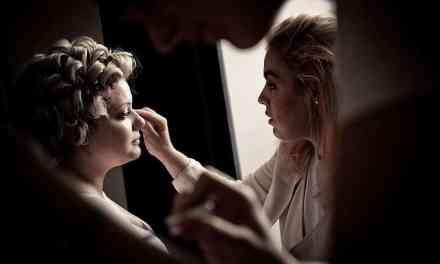 How to Become a Professional Airbrush Makeup Artist