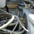 解体民家のエアコン、不用品回収
