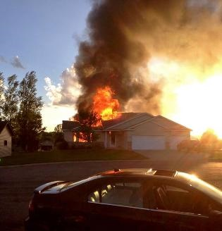 20140620.. KSTC, house fire behind parked car