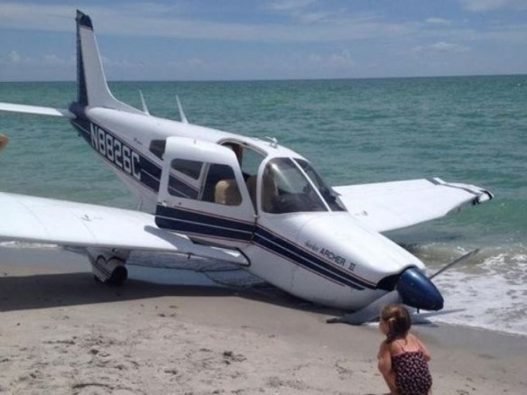20140727.. Venice FL PA28 crash on beach