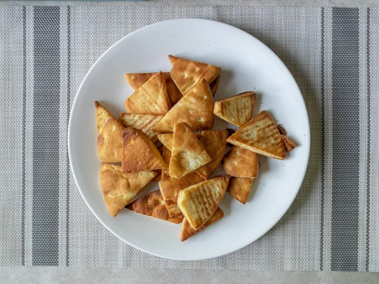 How to make crispy pita chips in an air fryer