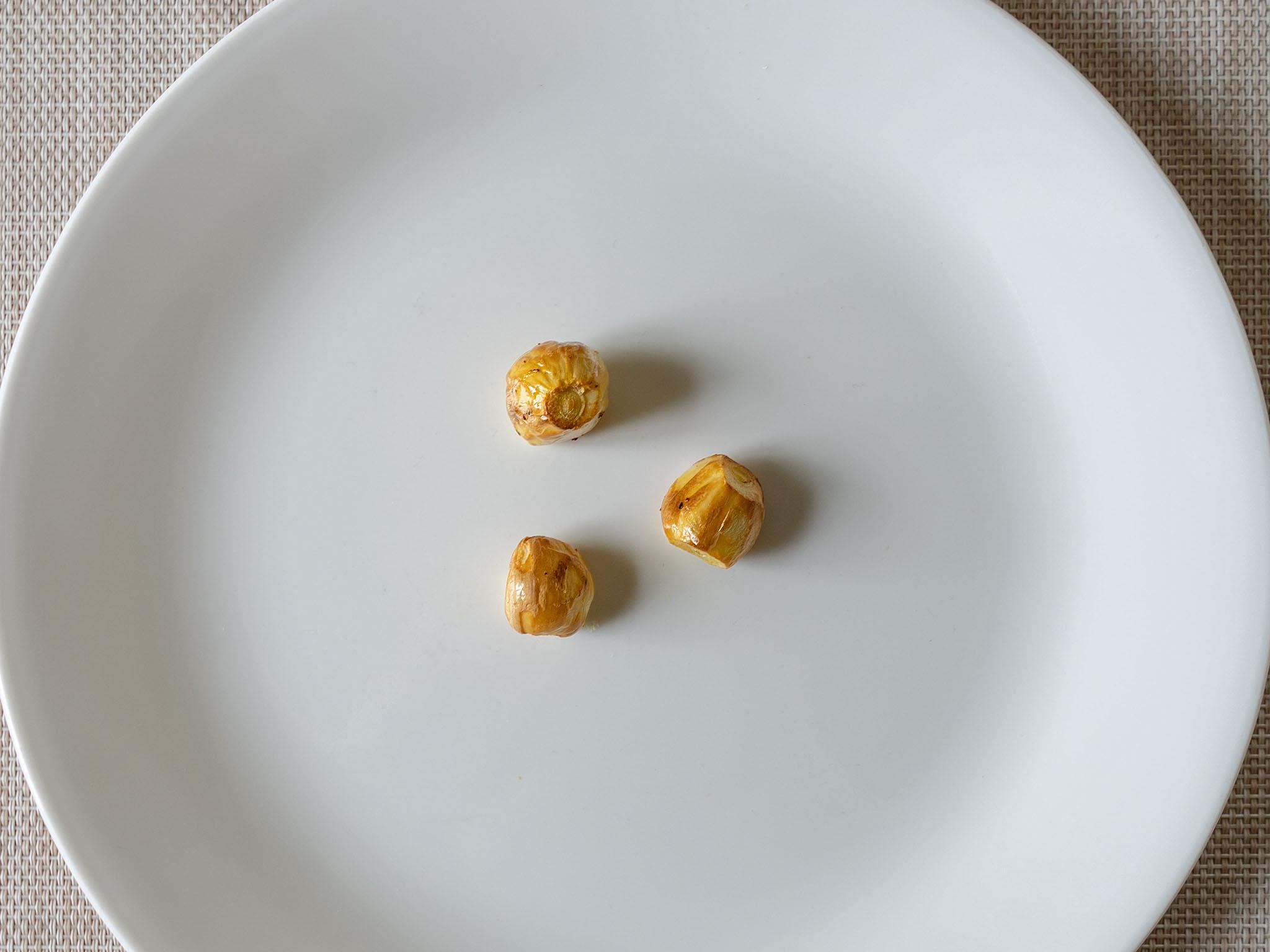 Air fried roasted garlic