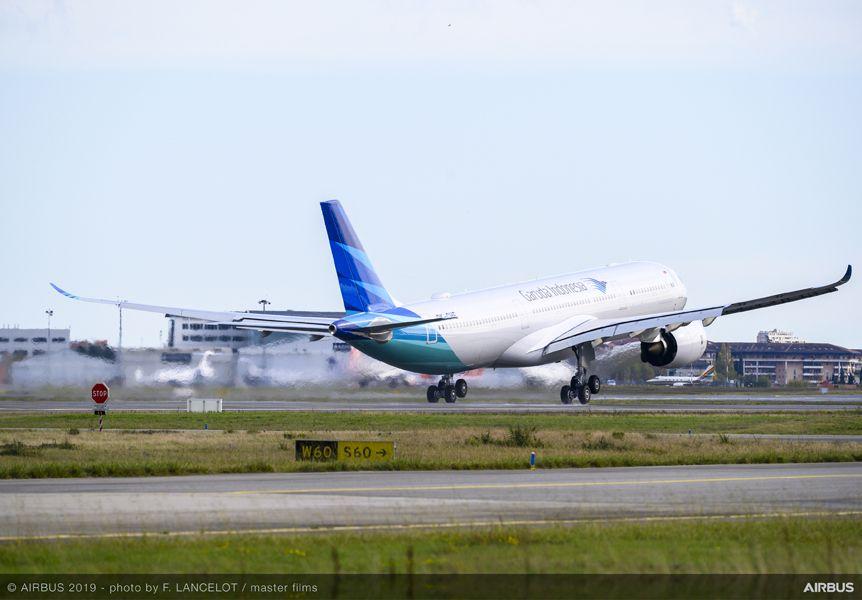 Garuda Indonesia to halve its fleet to survive the pandemic