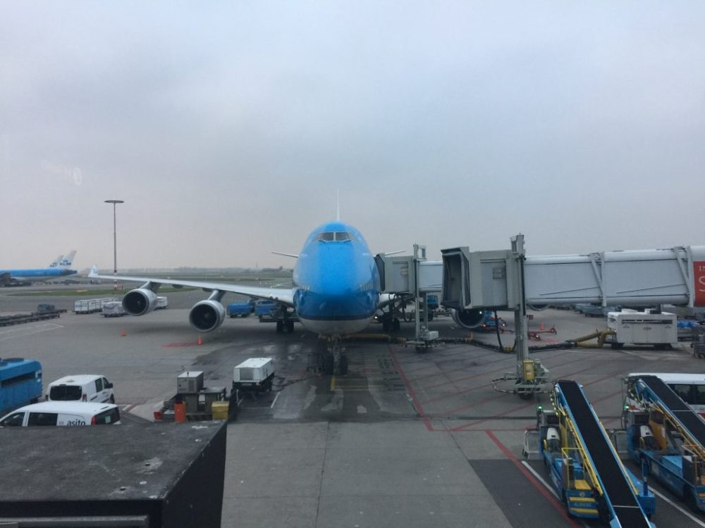 medium resolution of a klm boeing 747 400m at the gate in amsterdam photo airlinegeeks tom pallini