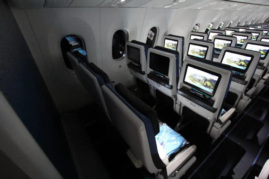 Photo Tour Onboard Westjet S New Boeing 787 9 Dreamliner