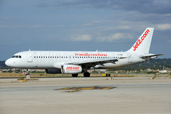 Jet2 to add leased airbus a320s and a330s for routes from glasgow