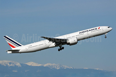 Air France Boeing 777-328 ER F-GZND (msn 35543) PAE (Nick Dean). Image: 902719.
