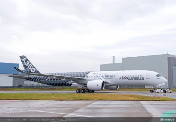 Airbus A350 with Carbon Livery
